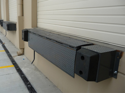 Mechanical or Hydraulic Edge of Dock Leveler